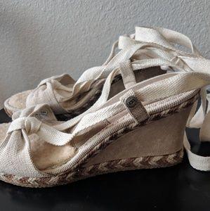 Ugg | wedge sandal with sherpa